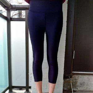2/$20Forever 21 Athletic Black 3/4 Length Leggings
